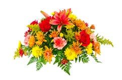 Buntes Blumenblumenstrauß-Anordnungsmittelstück stockfotografie