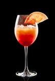 Buntes Cocktail auf dem schwarzen Hintergrund Stockbild