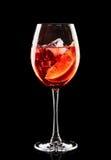 Buntes Cocktail auf dem schwarzen Hintergrund Stockfotografie