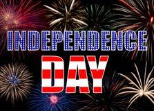 Buntes Feuerwerk, das einen Hintergrund - Unabhängigkeit D bildet Lizenzfreie Stockbilder