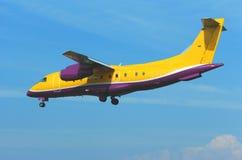 Buntes Flugzeug Stockfoto
