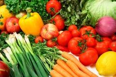 Buntes Gemüse und Früchte Stockbild
