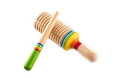 Buntes hölzernes Spielzeug lokalisiert auf Weiß Lizenzfreies Stockfoto