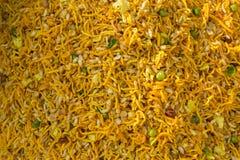 Buntes handgemachtes Lebensmittel am Ort nannte Chanachur in einem Bangla Pohela Baishakh angemessen Lizenzfreies Stockfoto