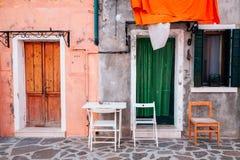 Buntes Haus außen in Burano, Venedig, Italien Stockfotografie