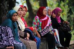 Buntes moslemisches hijab Stockbilder