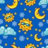 Buntes nahtloses Muster mit Sonne, Mond und Wolken für Kind Lizenzfreie Stockbilder