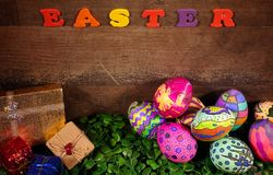 Buntes Ostern Paschal Eggs Celebration stockfoto