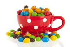 Buntes Süßigkeit iin große rote Schale Lizenzfreies Stockfoto
