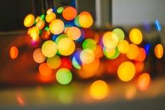 Buntes Weihnachtslichter bokeh Stockfotos