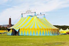 Buntes Zirkus-Zelt Stockfotos