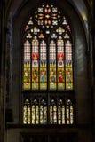 Buntglas in der Kathedrale stockfoto