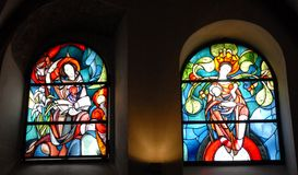 Buntglas in der Kathedralenstadt von Koblenz, das im der Rhein-Tal in Deutschland ist Stockfoto