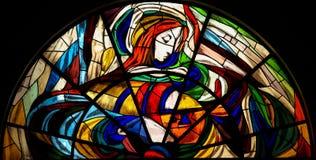 Buntglas - Erscheinung von Jungfrau Maria in Fatima Stockfoto