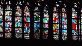 Buntglas in Notre Dame Stockbilder