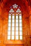 Buntglasfenster der Kirche stockbilder