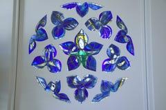 Buntglasfenster mit Design durch Marc Chagall, Marc Chagall Museum, Nizza, Frankreich lizenzfreies stockbild
