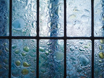 Buntglasfenster mit regelmäßigem Blockmuster Lizenzfreies Stockbild