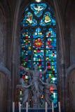 Buntglasfenster von Heilig-Gatien-Kathedrale in Blois. Stockbild