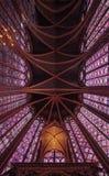 Buntglasmuster in Sainte Chapelle in Paris Stockfoto