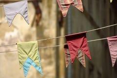 Bunting, kleurrijke partijvlaggen Stock Foto's