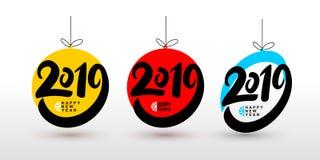 Buon anno e feste felici L'insieme delle palle 2019 di Natale manda un sms al modello di progettazione Illustrazione di vettore I Immagini Stock Libere da Diritti