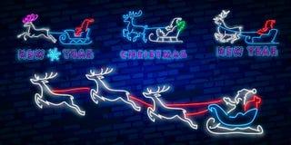 Buon anno 2019 Insegna al neon dei cervi Segno al neon Partito di notte marchio bandiera Buon Natale Renna sveglia con le palle d illustrazione vettoriale