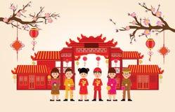 Buon anno nella città della Cina con il ragazzo e la ragazza cinesi Fotografia Stock