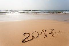 Buon anno 2017 sulla spiaggia Immagini Stock Libere da Diritti