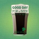 Buon giorno per una birra - birra di malto irlandese Fotografie Stock Libere da Diritti
