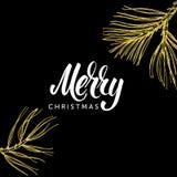 Buon Natale che segnano e scarabocchio disegnato a mano del ramo del pino su fondo nero Fotografie Stock