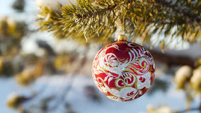 Buon Natale e buon anno Giocattolo di vetro sull'albero Fotografia Stock