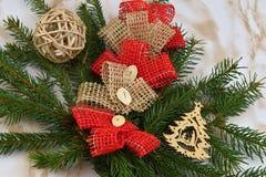 Buon Natale Ramo attillato delle decorazioni di Natale Immagine Stock Libera da Diritti