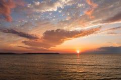 Buon tramonto della baia del porto - Leelanau Michigan Immagini Stock