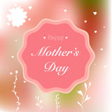 Buona Festa della Mamma la carta con gli elementi disegnati a mano sul rosa ha offuscato il fondo Illustrazione di Stock
