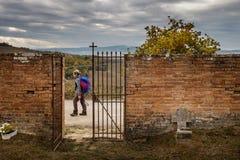 Buonconvento, Siena, Toskana: Herbstliches Trekking lizenzfreies stockfoto
