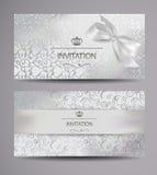 Buoni regali bianchi eleganti con progettazione floreale Immagine Stock