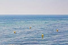 BuoyÑ-‹im Meer Stockbilder