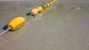 Buoyancy na plażowym puszku zdjęcia royalty free