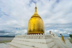 Bupaya pagoda blisko Irrawaddy rzeki przy Bagan, Mandalay zdjęcia stock