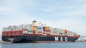 Buque de carga MSC BRUNELLA que llega el puerto de Oakland imagen de archivo