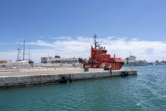 Buque de guardacostas rojo del puerto viejo de Palma fotos de archivo libres de regalías