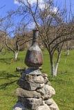Buque del vintage para el agua que lleva en el pueblo Lagich Azerbaij Foto de archivo libre de regalías