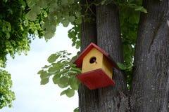 Bur för fåglar arkivfoton