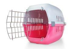 Bur för transportering av husdjur. arkivfoton