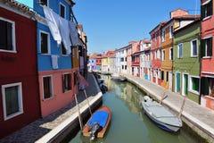 Burano海岛在威尼斯式盐水湖,意大利 免版税图库摄影