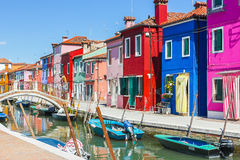 Burano,威尼斯海岛,五颜六色的镇在意大利 免版税库存照片