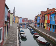 As casas coloridas de Burano Fotografia de Stock Royalty Free