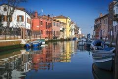 Burano ö, i Venedig, Italien royaltyfria bilder