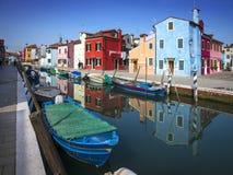 Burano ö, Venedig, Italien fotografering för bildbyråer